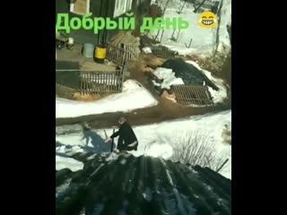 Когда решил убрать снег