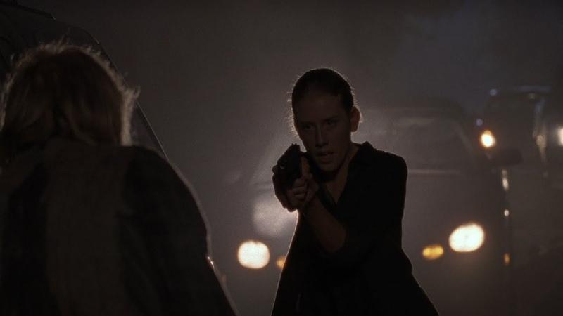 Лаура видит как Дуайт убивает Спасителей