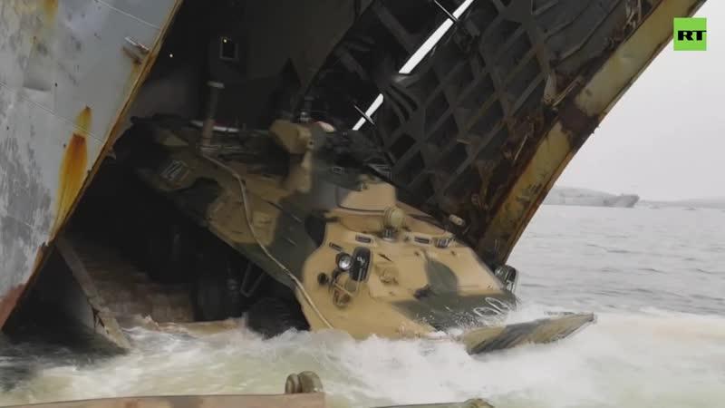 Морпехи Тихоокеанского флота десантировались на Чукотке в рамках учений Океанский щит
