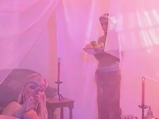 Порно фильм с переводом Anita Blond, Lea Martini, David Perry и другие I Vizi Di Una Infermiera 1997 год
