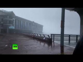 Один тайфун, две страны и сотни пострадавших