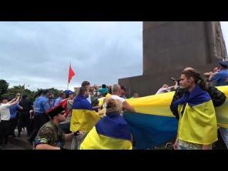 Потасовка на митинге в Харькове ()