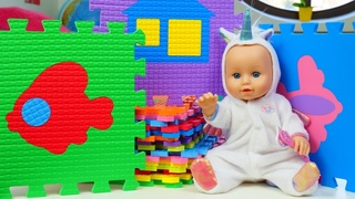 Learn colors for babies with Baby Born Annabell doll & play mats for kids!