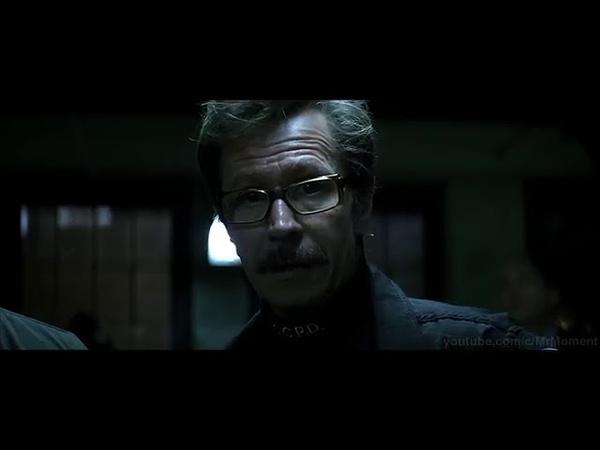 Лейтенанту Гордону присваивают звание комиссар полиции Джокер за решёткой Темный рыцарь 2008
