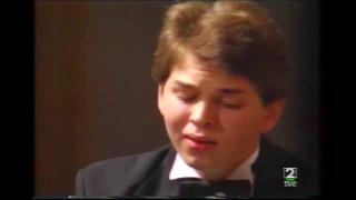 Eldar Nebolsin (17 years old) plays Mozart Piano concerto KV467 in Santander Piano competition 1992