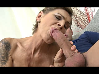 ПОРНО -- ЕЙ 58 -- КЛАССНАЯ БАБУШКА БЕЗ КОМПЛЕСОВ ТУСИТ С МОЛОДЫМ -- granny gilf porn sex --   Irenka