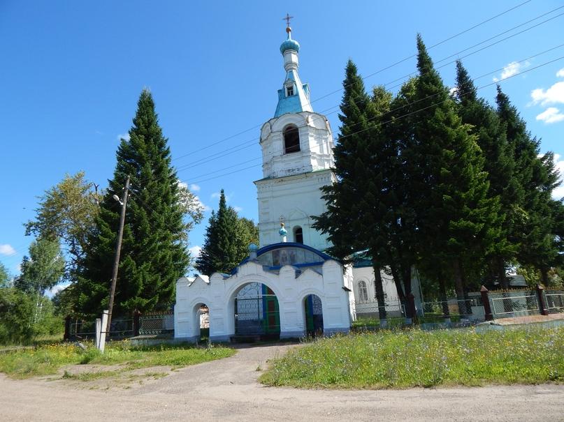 Церковь Покрова Пресвятой Богородицы в Падерине.Фото Милитины СЕМЁНОВОЙ.