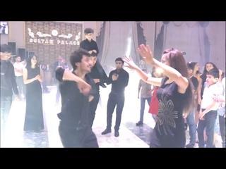 Супер Лезгинка На Свадьбе 2021 Девушки Танцуют Круто С Малышом Чеченская Песня Хит Lezginka ALISHKA