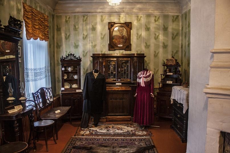 Комната купеческого дома