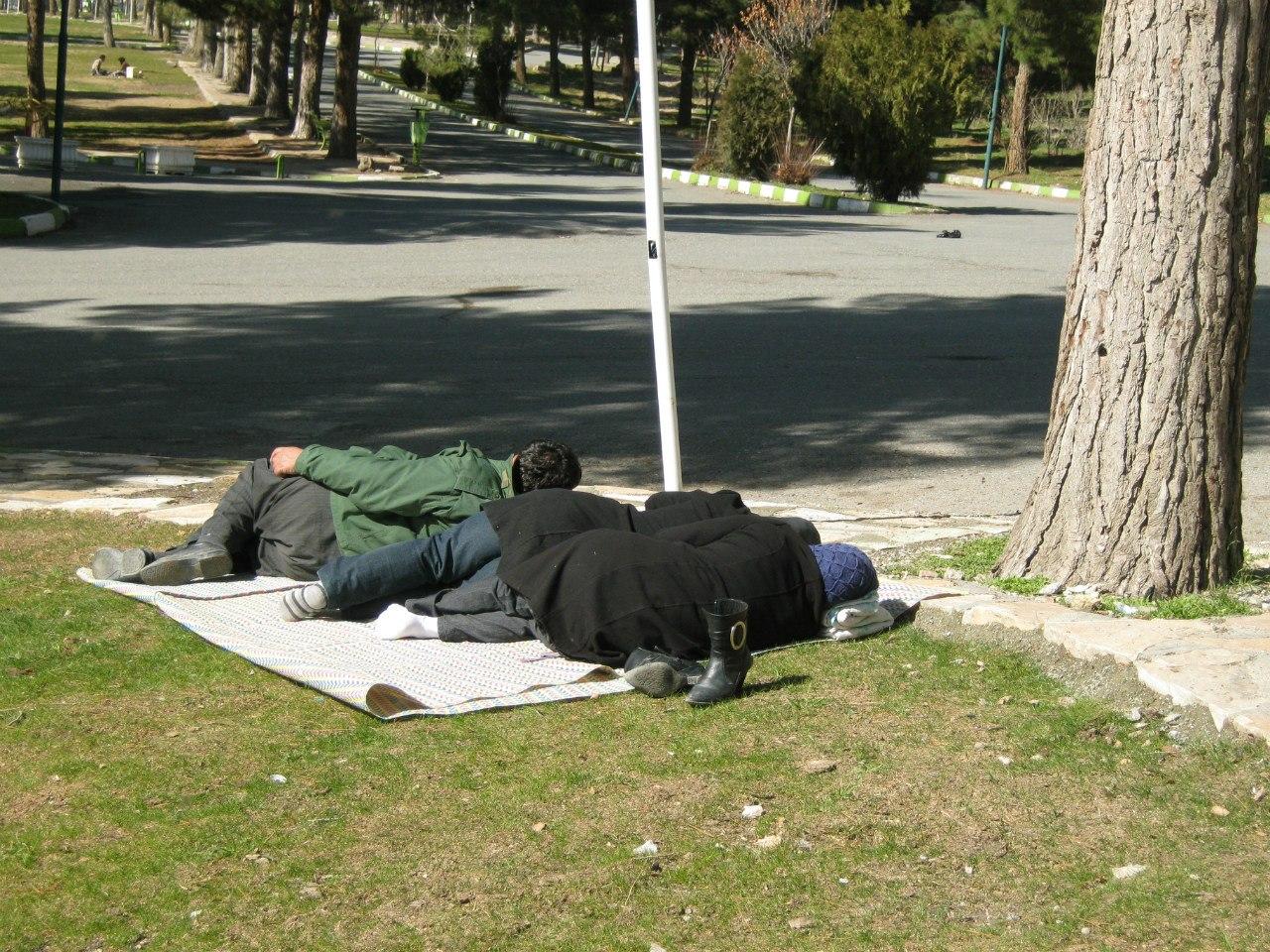 Тихий час в парке Ирана