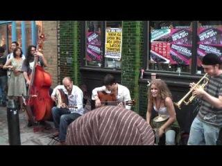 FERNANDO'S KITCHEN Street performance (CCTV Star) Brick Lane, London