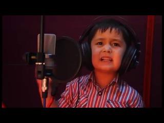 Журабек Жураев, 4 годика ++ поёт на таджикском песню - Чак чаки борони бахор .