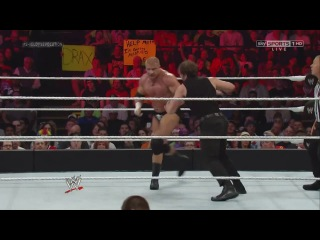 [#My1] Shield (Seth Rollins, Dean Ambrose and Roman Reigns) vs. Evolution (Triple H, Batista and Randy Orton)