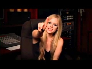 Avril Lavigne said thank you, love you and kissed to fans during Goodbye Lullaby album cycle ~