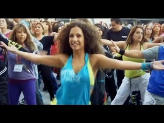 Zumba Fitness Rush for Kinect - Flash Mob on Los Angeles