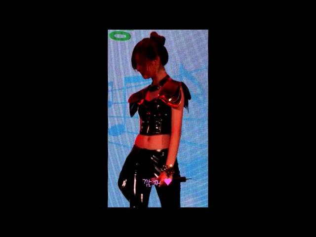 FANCAM EVOL 1 2 3 4 5 Yull focus @ Lotte world