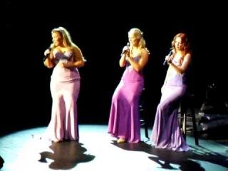 Фрагмент Danny Bay (Симфония Тур) Believe Tour {Chole Agnew, Susan MCFadden, Lisa Lambe}