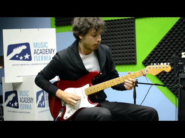 Daniele Gottardo jamming on Sunny Shred Fusion Guitar Lesson