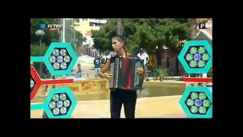 Acordeonista ANDREIA CABRITA do Rogerio ao Piedade Em Silves RTP INFO Para Arraiais