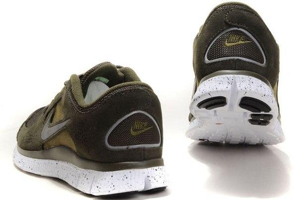 Nike Damen Roshe One Hyperfuse Atmen Low Top Fitness Running