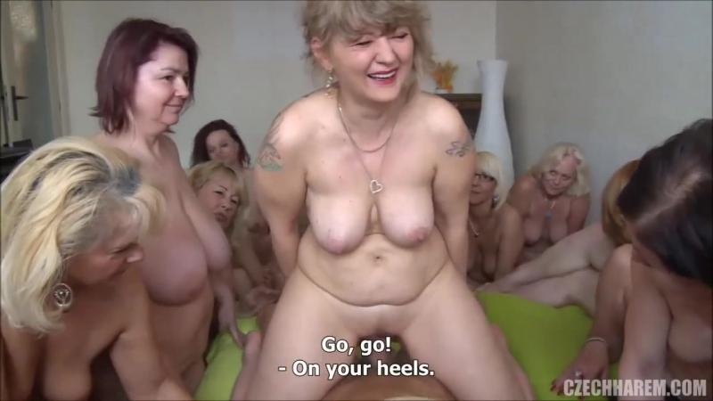 много голых женщн в возрасте оргии пенсионерок мамки