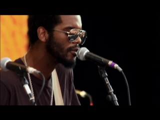 "Gary clark jr. ""bright lights"""