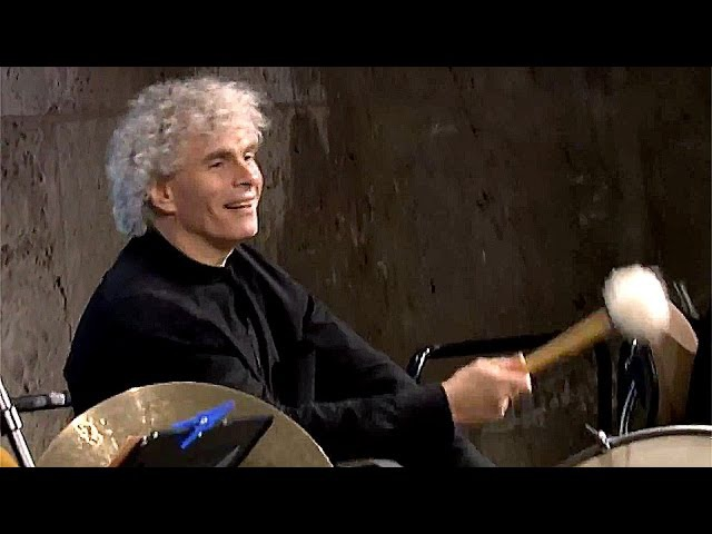 Lincke Berliner Luft Berliner Philharmoniker with Simon Rattle at the bass drum