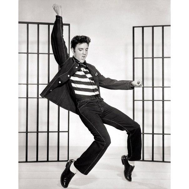 Elvis Presley Swinging Legs Pendulum Wall Clock Music