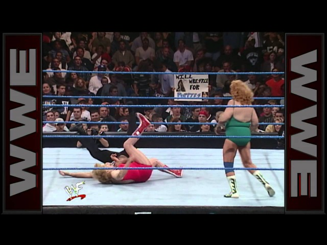 Mae Young vs Fabulous Moolah WWE Women's Championship Match SmackDown Oct 21 1999