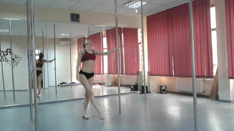 Тренер Юлия Шепшук-Антипова. Шпагат из шолдера на крутяшке