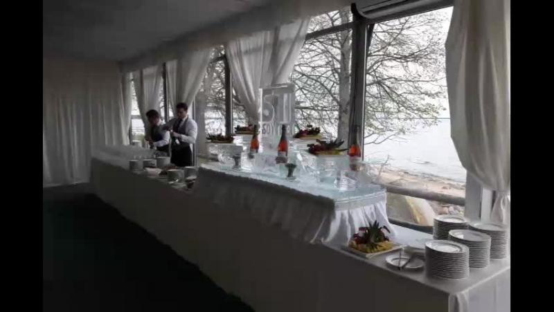Ледяной фуршетный стол под фрукты и шампанское в Павильоне Majestic MariaCrystalIce 7-905-204-77-53 www.maryice.ru