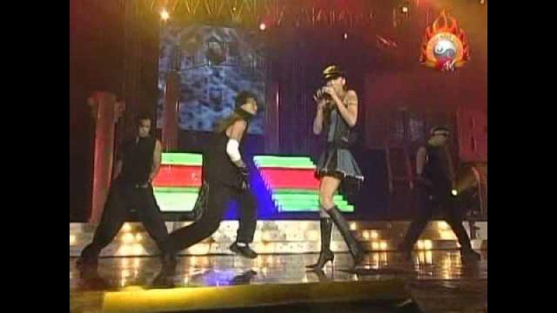 Namie Amuro Put 'Em Up Live Buzz Asia 2004 07 24