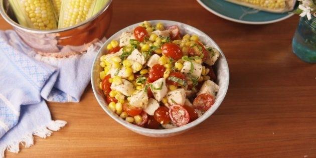 10 очень вкусных салатов со свежими помидорами, изображение №2