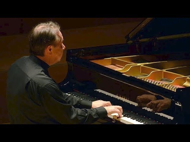 Mikhail Pletnev plays Mozart - Fantasia c-moll KV 396 (Moscow, 2014)