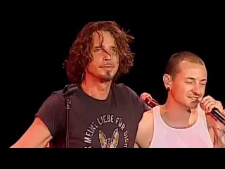 Chester Bennington and Chris Cornell on stage together. 2 angels are in heaven now.
