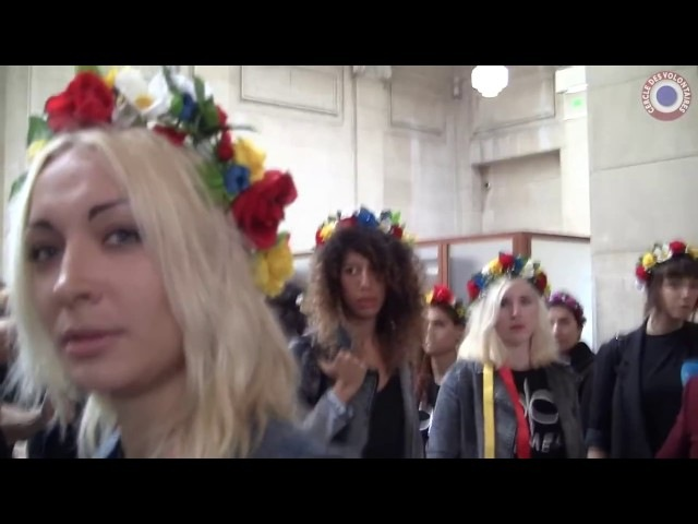 Inna Shevchenko et son avocat Patrick Klugman avant le procès Femen - 13 septembre