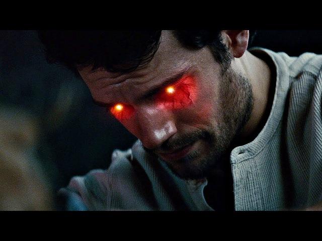 Супермен спасает Лоис и прижигает ей рану Человек из стали 2013