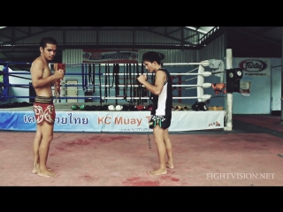 Jab-protection-and-knee-strike-combination-muay-thai-demonstration-by-kc-muay-thai-chiang-mai
