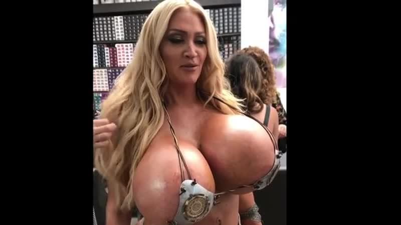 Big Natural Tits Tiny Ass
