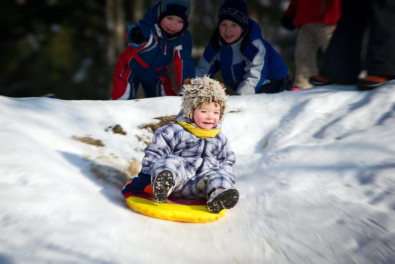 чем занять детей в лагере зимой