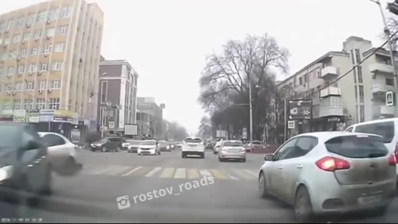 Видео ДТП на Красноармеской Соколова.
