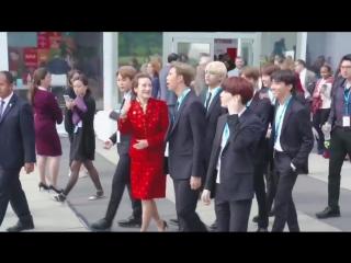 Joon really looks like a president