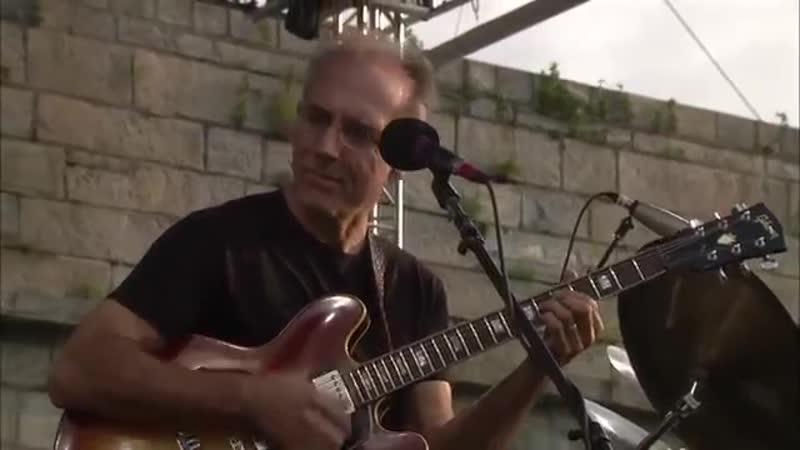 Fourplay - Full Concert - 08-12-00 - Newport Jazz Festival (OFFICIAL).mp4