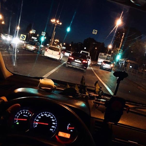 Картинки фото в машине ночью