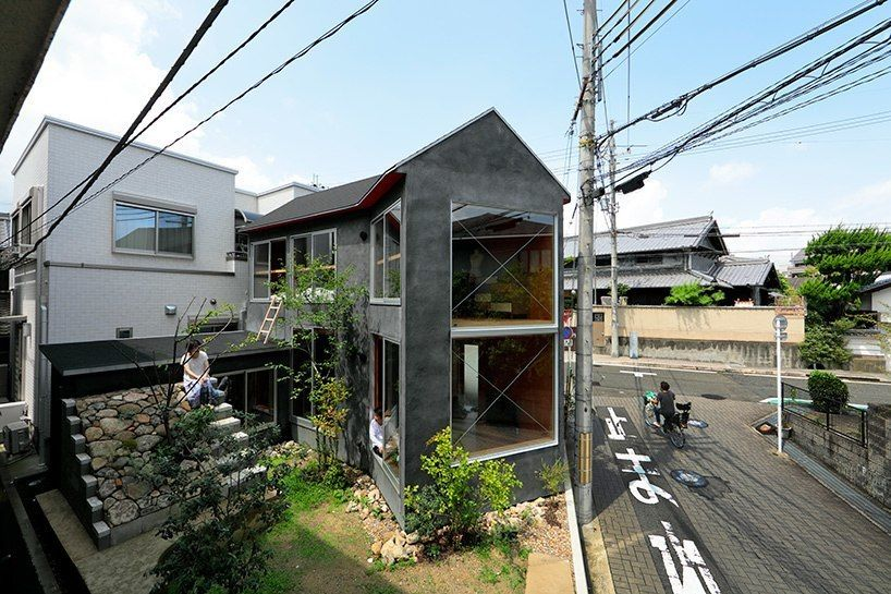 SPACESPACE articulates 'mushroom house' in japan around generously proportioned garden