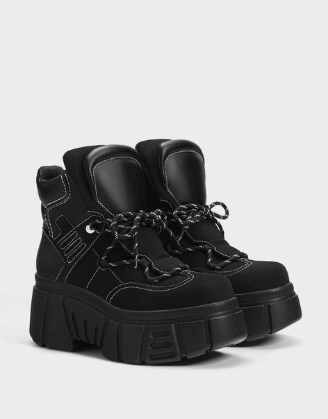 Высокие кроссовки на объемной подошве