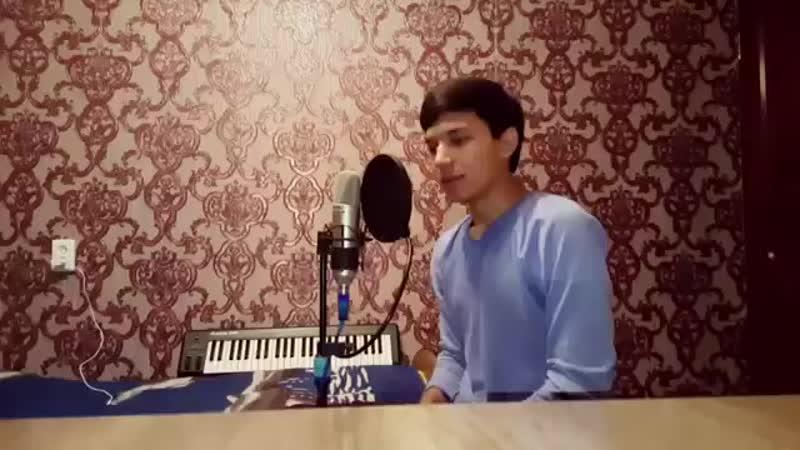 Узбек поёт Лейла.mp4