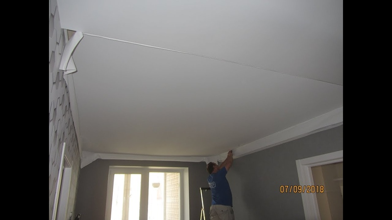 Тканевый потолок Clipso Монтаж люстры Конец отделки в гостинной и спальной комнате