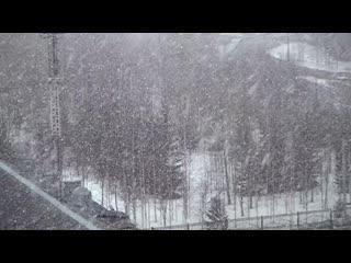 Снег за окном. Ухта, 17 апреля 2020.
