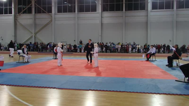 Поединок за 1 место Кукулова Милена Панина Дарина АКА Чемпионат Мурманской области по Кумите 2020 oyama mas